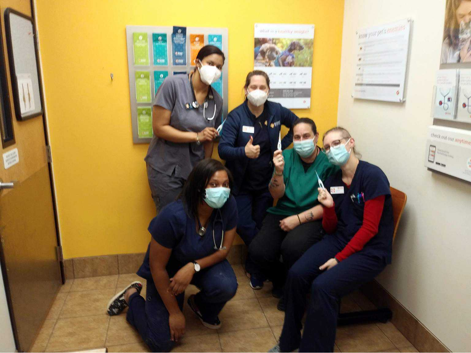 A group of Banfield Associates at the Banfield Pet Hospital